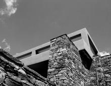 Δύο ανεξάρτητες κατοικίες στην Τήνο